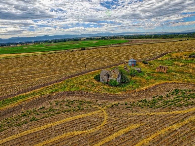 Abandoned Farm House - Springhill , Montana